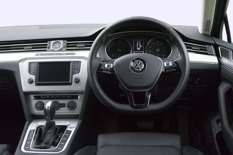 New Volkswagen Passat Diesel Saloon 1 6 Tdi S 4 Door 2015