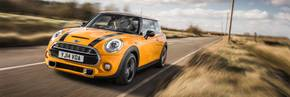 MINI Hatch triumphs at Auto Express New Car Awards 2015