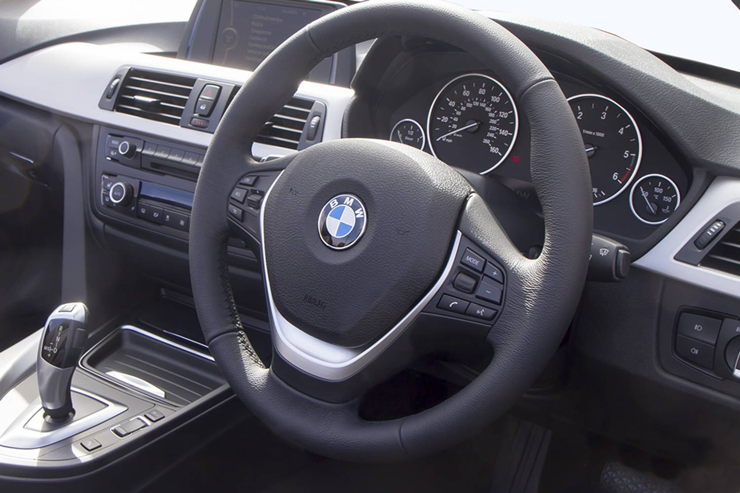 BMW 4 Series Convertible 2dr interior