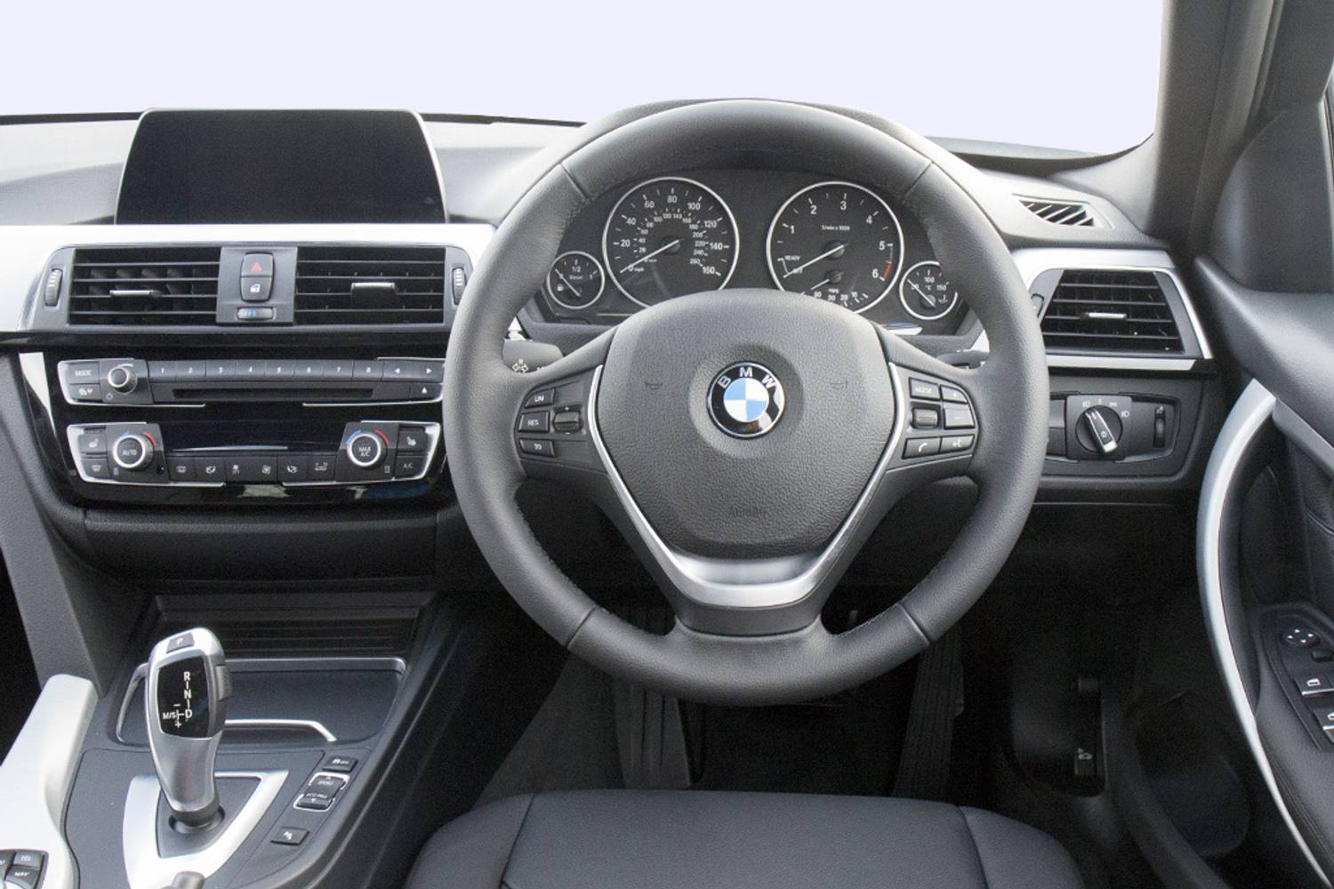 BMW 3 Series Touring 5dr interior