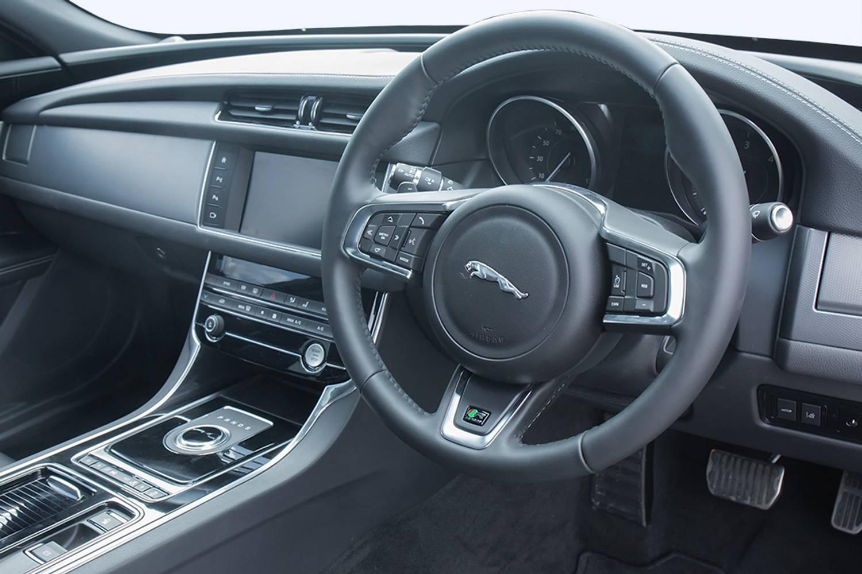 new jaguar xf diesel saloon v6 s 4 door auto 2015 for sale. Black Bedroom Furniture Sets. Home Design Ideas