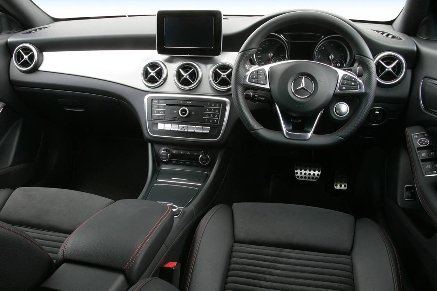 New Mercedes-Benz CLA Class Coupe CLA 200 AMG Line Edition ...