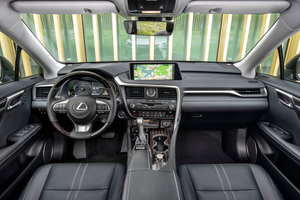 Interior shot of the Lexus RX L Thumbnail