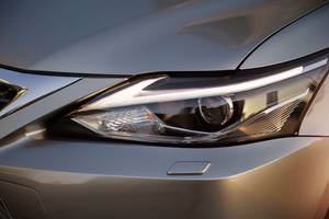 Front headlights of the Lexus CT Hybrid Thumbnail