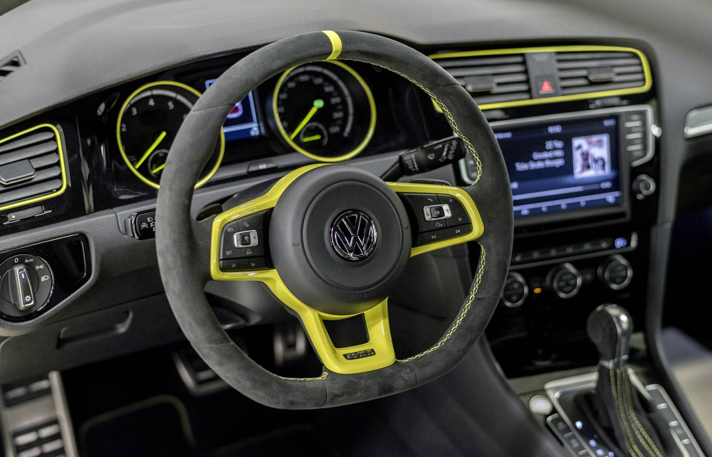 Volkswagen Golf GTI Dark Shine Interior