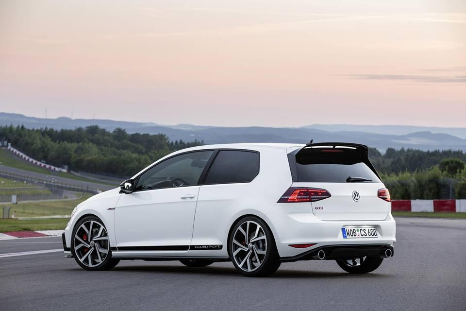 Golf GTI Clubsport Side Shot