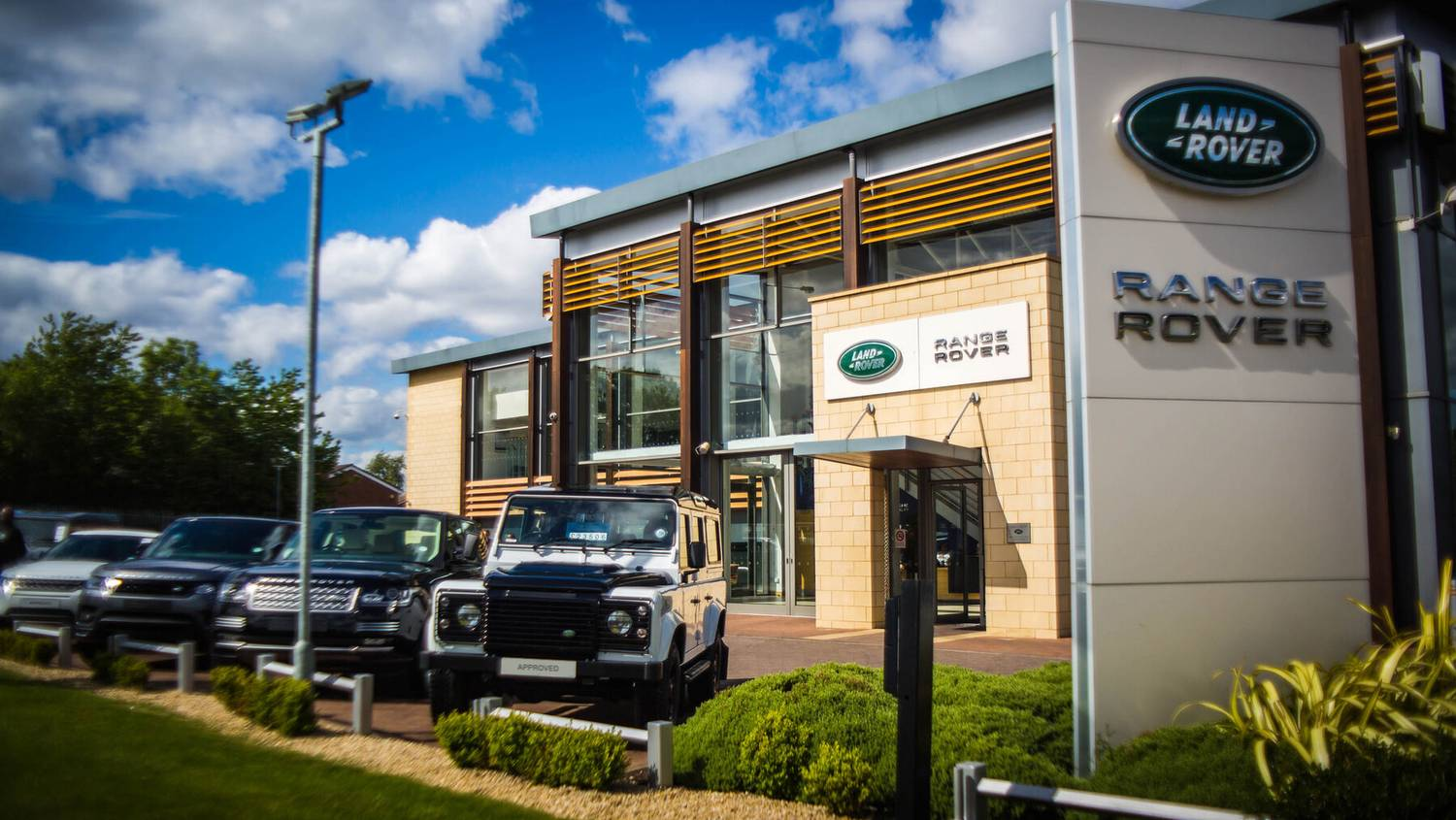 Listers Land Rover Solihull Land Rover Service MOT Land - Land rover discovery dealer