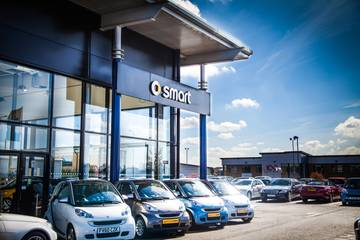 smart at Mercedes-Benz of Lincoln
