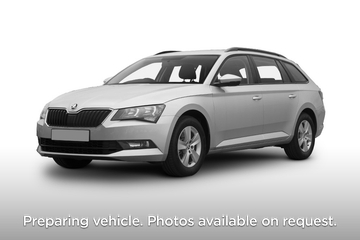 Skoda Superb Estate 5dr Front Three Quarter