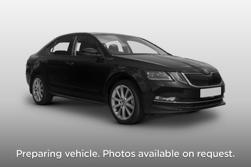 Skoda Octavia Hatchback 5dr Front Three Quarter