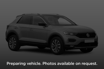Volkswagen T-Roc Hatchback 5dr Front Three Quarter