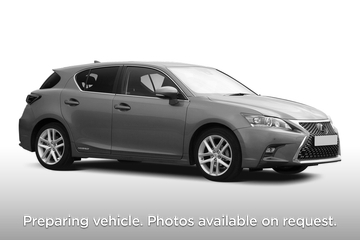 Lexus CT Hatchback 200h 1.8 5dr CVT Front Three Quarter
