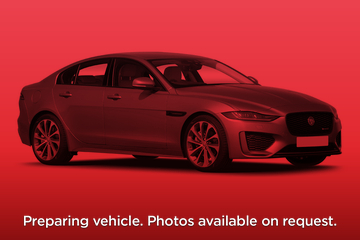 Jaguar XE Saloon 4dr Auto Front Three Quarter