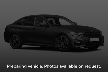 BMW 3 Series Saloon 4dr Front Three Quarter