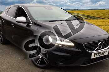 Volvo V40 T3 (152) R DESIGN Edition 5dr in 717 Onyx Black at Listers Volvo Worcester