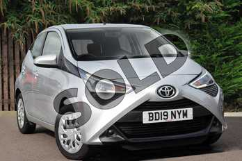 Toyota AYGO 1.0 VVT-i X-Play 5dr in Silver Splash at Listers Toyota Coventry
