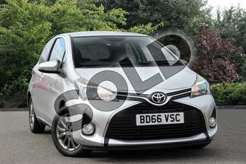 Toyota Yaris 1.0 VVT-i Icon 3dr in Silver at Listers Toyota Nuneaton