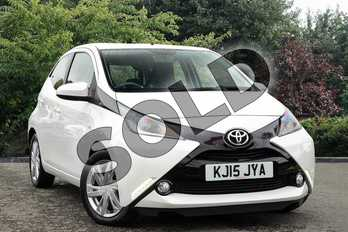 Toyota AYGO 1.0 VVT-i X-Pression 5dr x-shift in White at Listers Toyota Nuneaton
