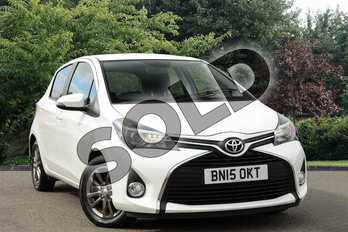 Toyota Yaris 1.33 VVT-i Icon 5dr in White at Listers Toyota Nuneaton