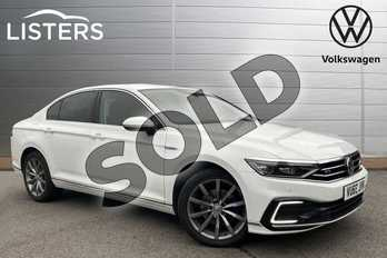 Volkswagen Passat 1.4 TSI PHEV GTE Advance 4dr DSG in Pure White at Listers Volkswagen Stratford-upon-Avon