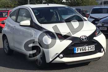 Toyota AYGO 1.0 VVT-i X-Pression 3dr in White at Listers Toyota Lincoln