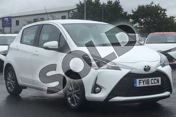 Toyota Yaris 1.5 VVT-i Icon 5dr in White at Listers Toyota Lincoln