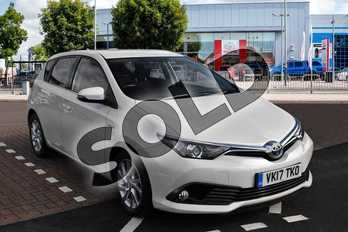 Toyota Auris 1.8 Hybrid Icon 5dr CVT in Pearl White at Listers Toyota Cheltenham