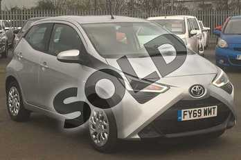 Toyota AYGO 1.0 VVT-i X-Play 5dr in Silver Splash at Listers Toyota Lincoln