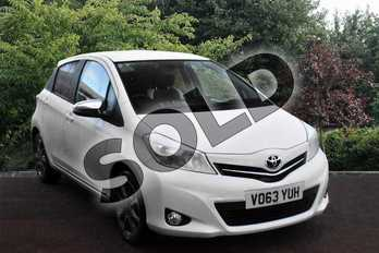Toyota Yaris 1.33 VVT-i Trend 5dr in White at Listers Toyota Stratford-upon-Avon