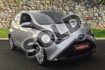 Toyota AYGO 1.0 VVT-i X-Play 5dr in Silver Splash at Listers Toyota Grantham