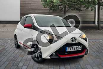 Toyota AYGO 1.0 VVT-i X-Trend 5dr in White at Listers Toyota Lincoln