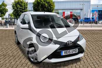 Toyota AYGO 1.0 VVT-i X-Play 5dr in White Flash at Listers Toyota Cheltenham