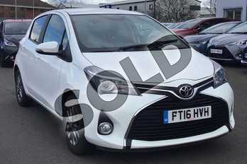 Toyota Yaris 1.33 VVT-i Icon 5dr in Pure White at Listers Toyota Lincoln