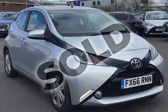 Toyota AYGO 1.0 VVT-i X-Pression 5dr x-shift in Silver at Listers Toyota Lincoln