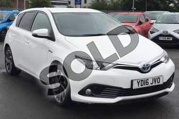 Toyota Auris 1.8 Hybrid Design 5dr CVT in White Flash at Listers Toyota Lincoln