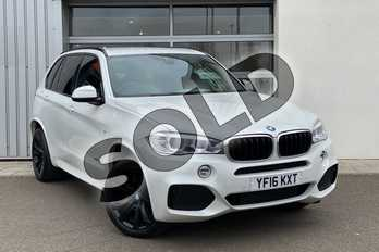BMW X5 xDrive30d M Sport 5dr Auto (7 Seat) in Mineral White at Listers King's Lynn (BMW)