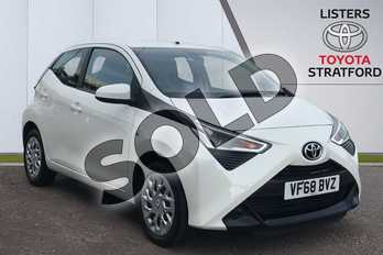 Toyota AYGO 1.0 VVT-i X-Play 5dr in White at Listers Toyota Stratford-upon-Avon