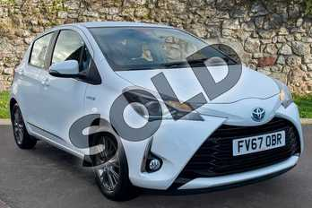 Toyota Yaris 1.5 Hybrid Icon 5dr CVT in Pure White at Listers Toyota Grantham