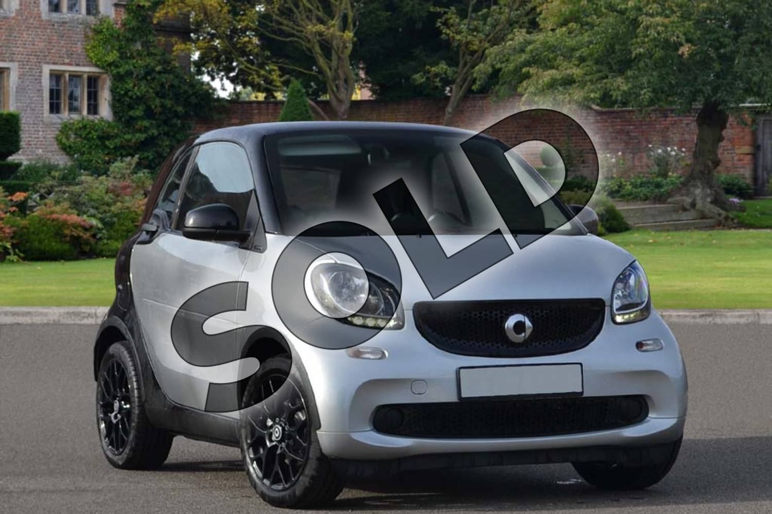 2018 Smart Fortwo Coupe 1.0 Prime Sport Premium 2dr Auto in cool silver metallic at smart at Mercedes-Benz of Lincoln