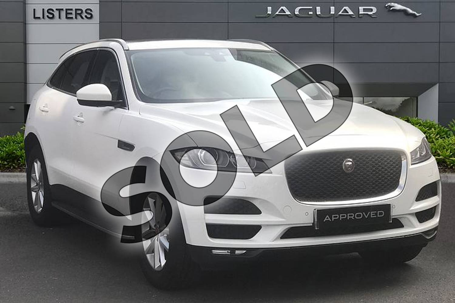 2019 Jaguar F-PACE Diesel Estate 2.0d Prestige 5dr Auto AWD in Fuji White at Listers Jaguar Droitwich