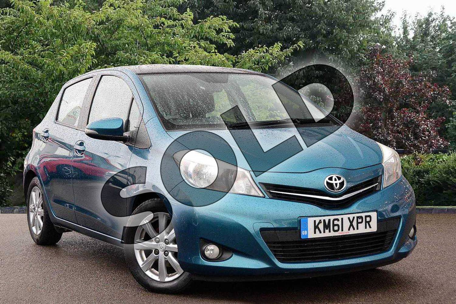 2012 Toyota Yaris Hatchback 1.33 VVT-i T Spirit 5dr in Green at Listers Toyota Nuneaton