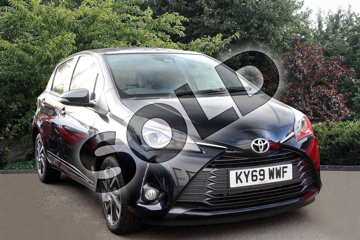 2019 Toyota Yaris Hatchback 1.5 VVT-i Y20 5dr (Bi-tone) in Black at Listers Toyota Nuneaton