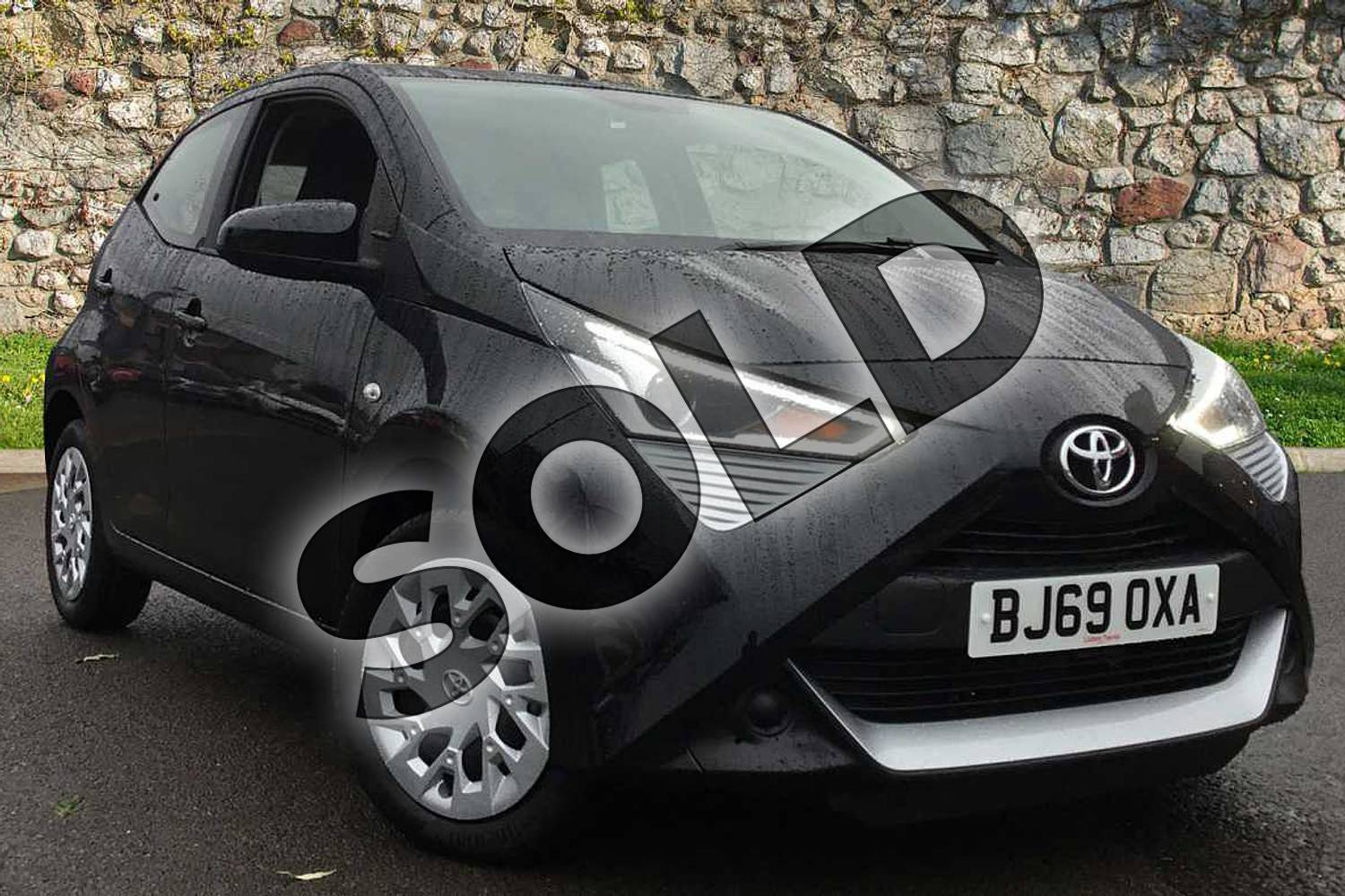 2019 Toyota Aygo Hatchback 1.0 VVT-i X-Play 5dr in Bold Black at Listers Toyota Coventry