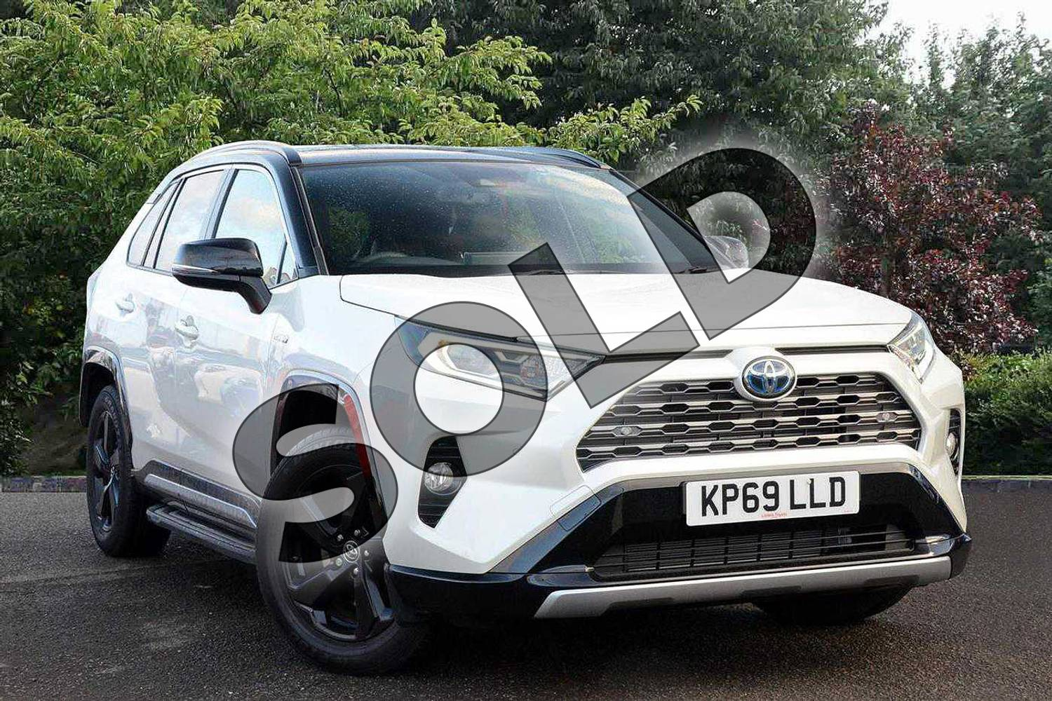 2019 Toyota RAV4 Estate 2.5 VVT-i Hybrid Dynamic 5dr CVT in White at Listers Toyota Nuneaton
