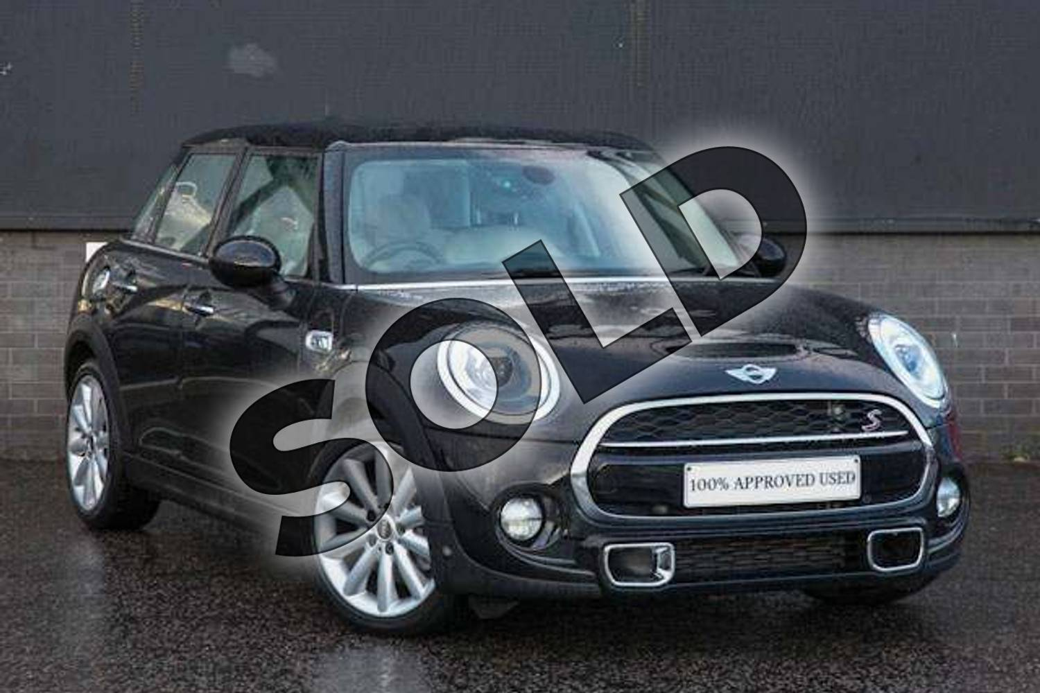 2016 MINI Hatchback 2.0 Cooper S 5dr in Midnight Black at Listers Boston (MINI)