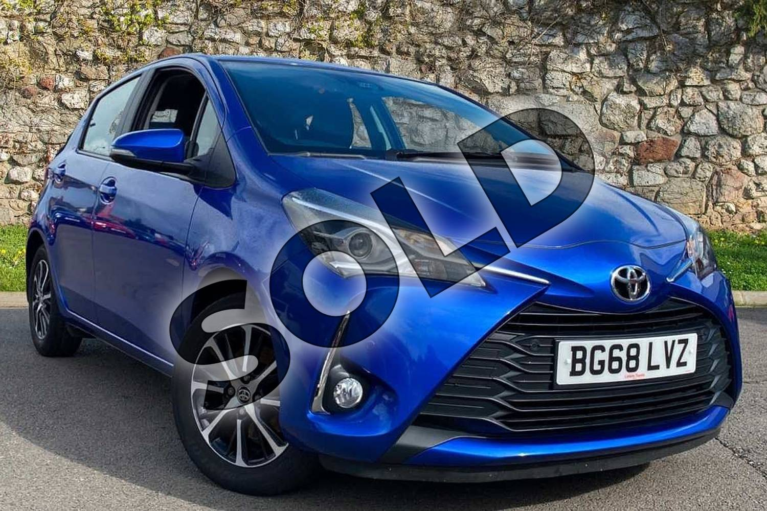 2018 Toyota Yaris Hatchback 1.5 VVT-i Icon Tech 5dr in Nebula Blue at Listers Toyota Coventry
