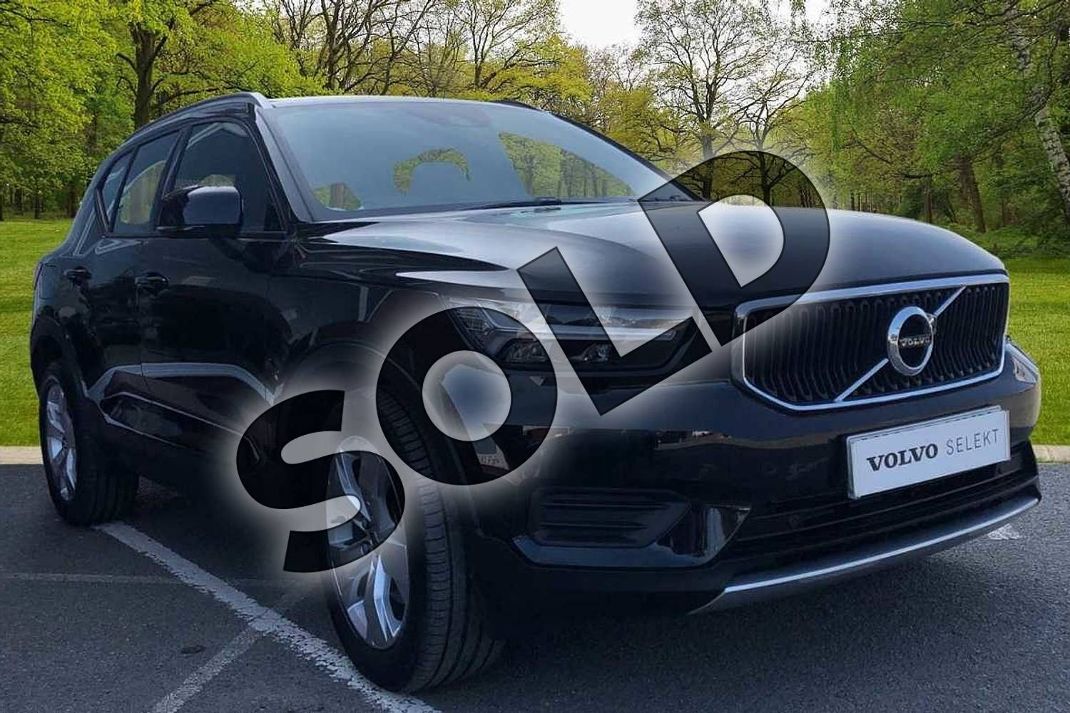 2018 Volvo XC40 Estate 2.0 T4 Momentum 5dr AWD Geartronic in Onyx Black at Listers Volvo Worcester