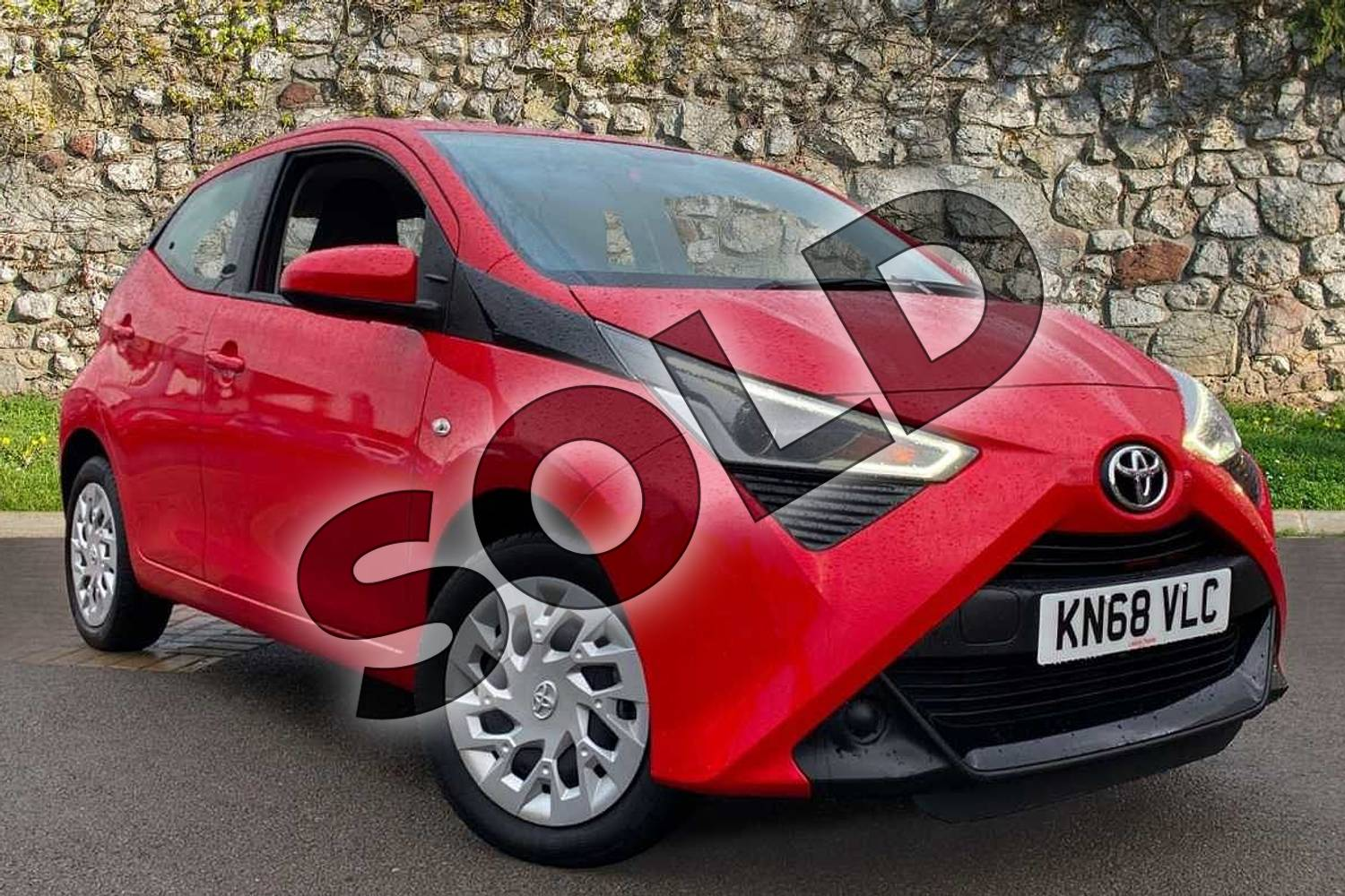 2018 Toyota Aygo Hatchback 1.0 VVT-i X-Play 5dr in Red at Listers Toyota Coventry