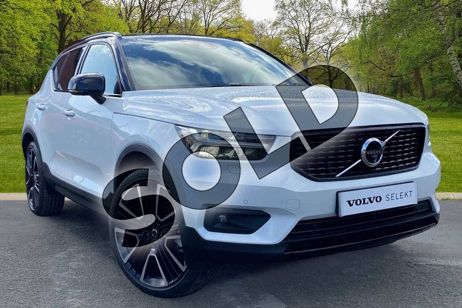 2021 Volvo XC40 Estate 1.5 T5 Recharge PHEV R DESIGN Pro 5dr Auto in Crystal White at Listers Volvo Worcester