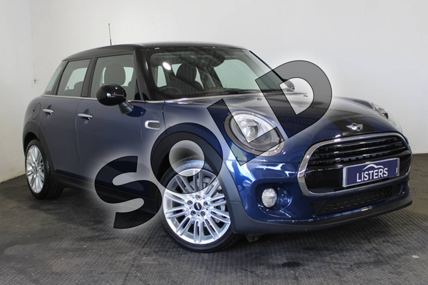 2017 MINI Hatchback 1.5 Cooper 5dr Auto in Metallic - Deep blue at Listers U Stratford-upon-Avon